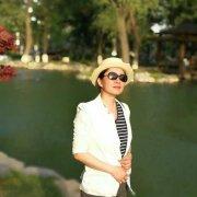 作家,作品《北京情人》《花开欲暮》