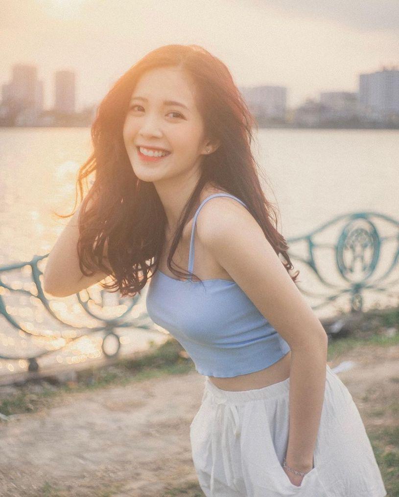 小清新越南正妹「Nguyễn Hoàng Ngọc Huyền」,「性感的一面」太甜了!