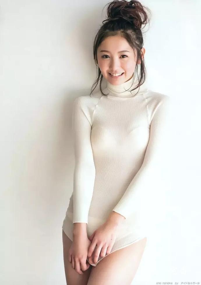 最美啤酒妹小野乃乃香写真作品