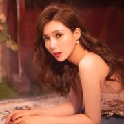 李YI桐_Livian