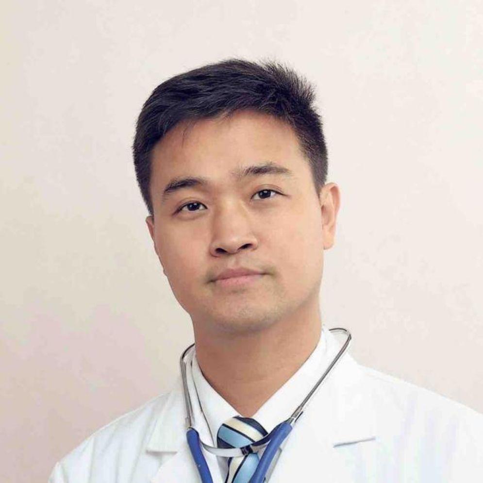 医学博士,副主任医师。全国疑难及重症肝病攻关协作组委员。中西医结合治疗慢性肝炎、肝硬化、肝癌、脂肪肝。