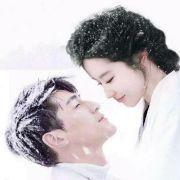 胡歌和刘亦菲在一起了吗微博照片