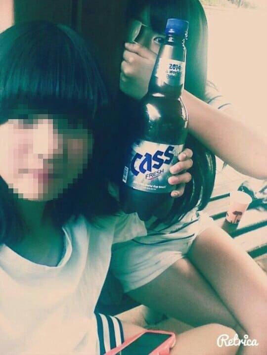 吸烟喝酒还校园欺凌,韩国新人女团ARIAZ成员落泪道歉,网友不原谅要求她退团!插图(6)