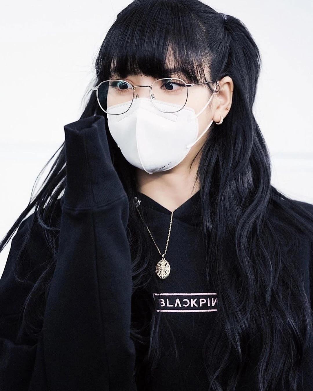魅力无法挡!BLACKPINK成员Lisa戴上口罩依旧美丽!插图(12)