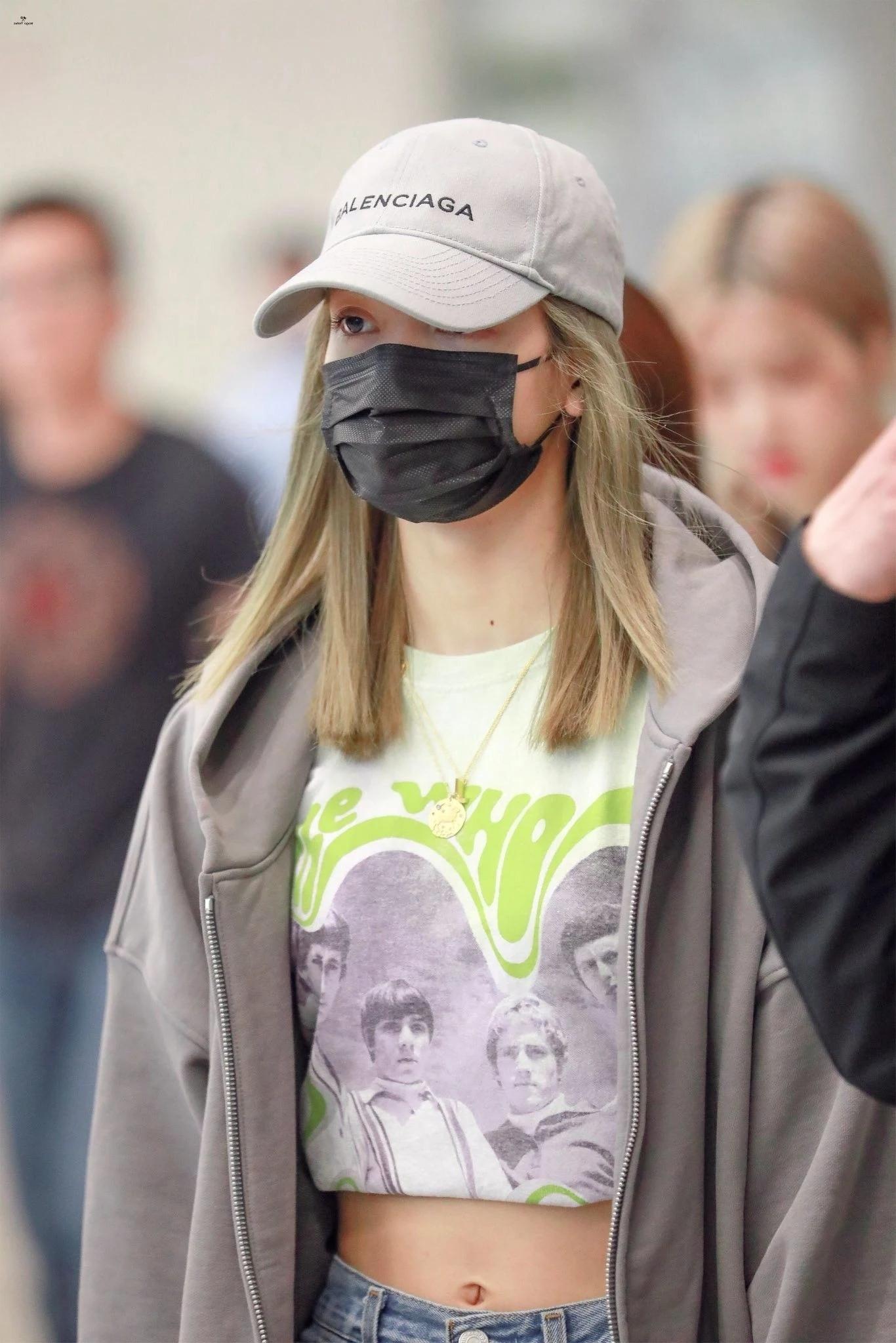 魅力无法挡!BLACKPINK成员Lisa戴上口罩依旧美丽!插图(13)