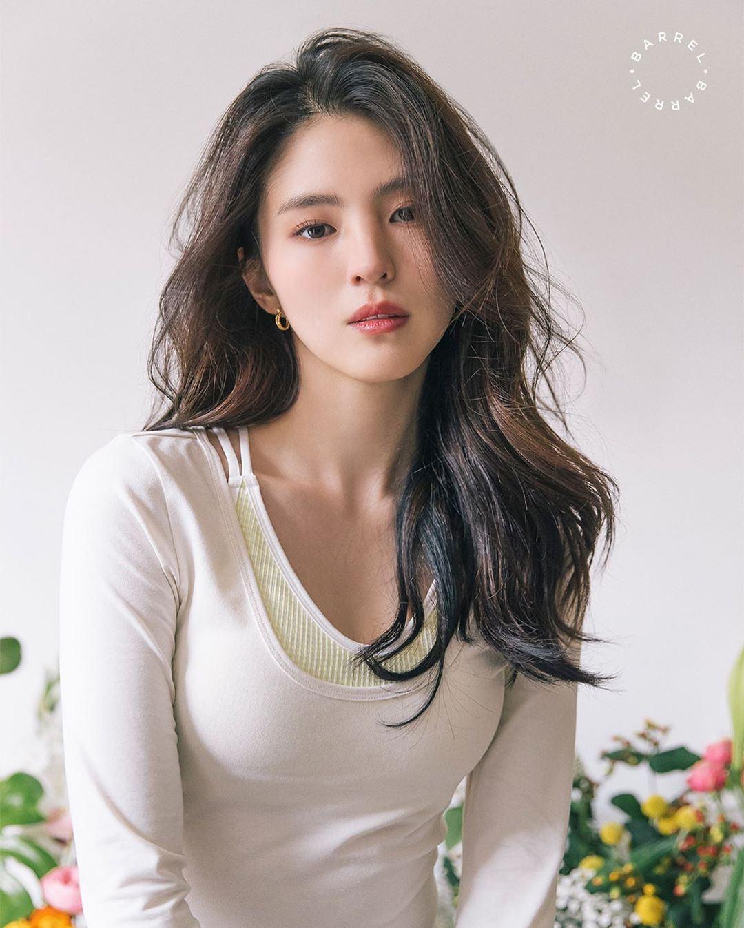 《夫妻的世界》最美「小三」韩素希成韩国广告界宠儿,穿运动小背心尽显纤腰好身材插图(4)