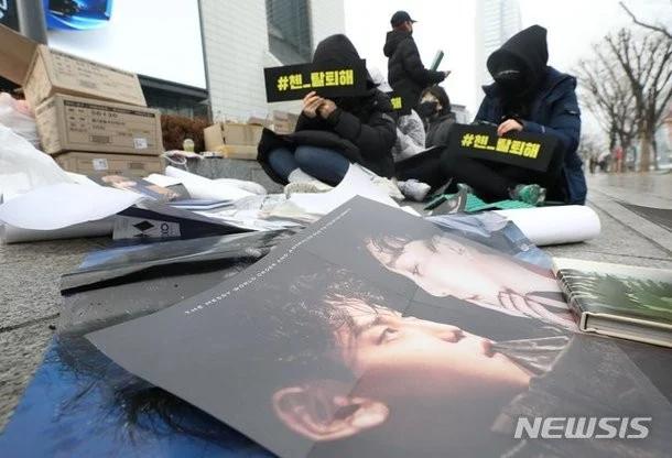 恋爱禁止?这5位韩国偶像因恋情曝光,被韩国粉丝批评插图4