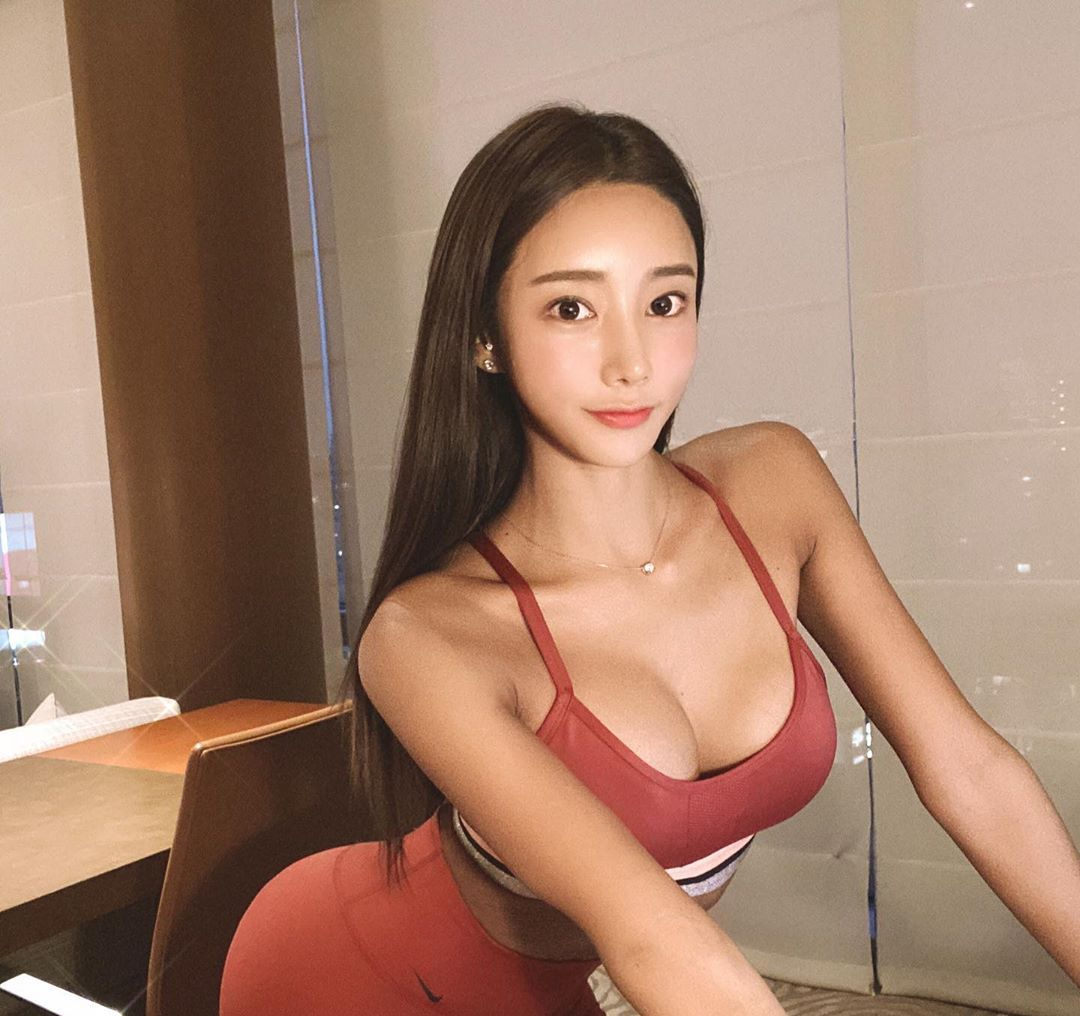 南韩健美小姐吴彩源翘臀美腿性感指数爆表