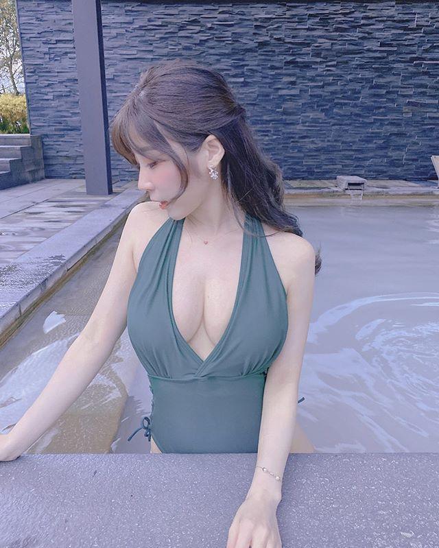 图片[4]-气质美人「黛黛」白嫩肌肤让人恋爱!解放「D 杯」惊见超美胸型-福利巴士