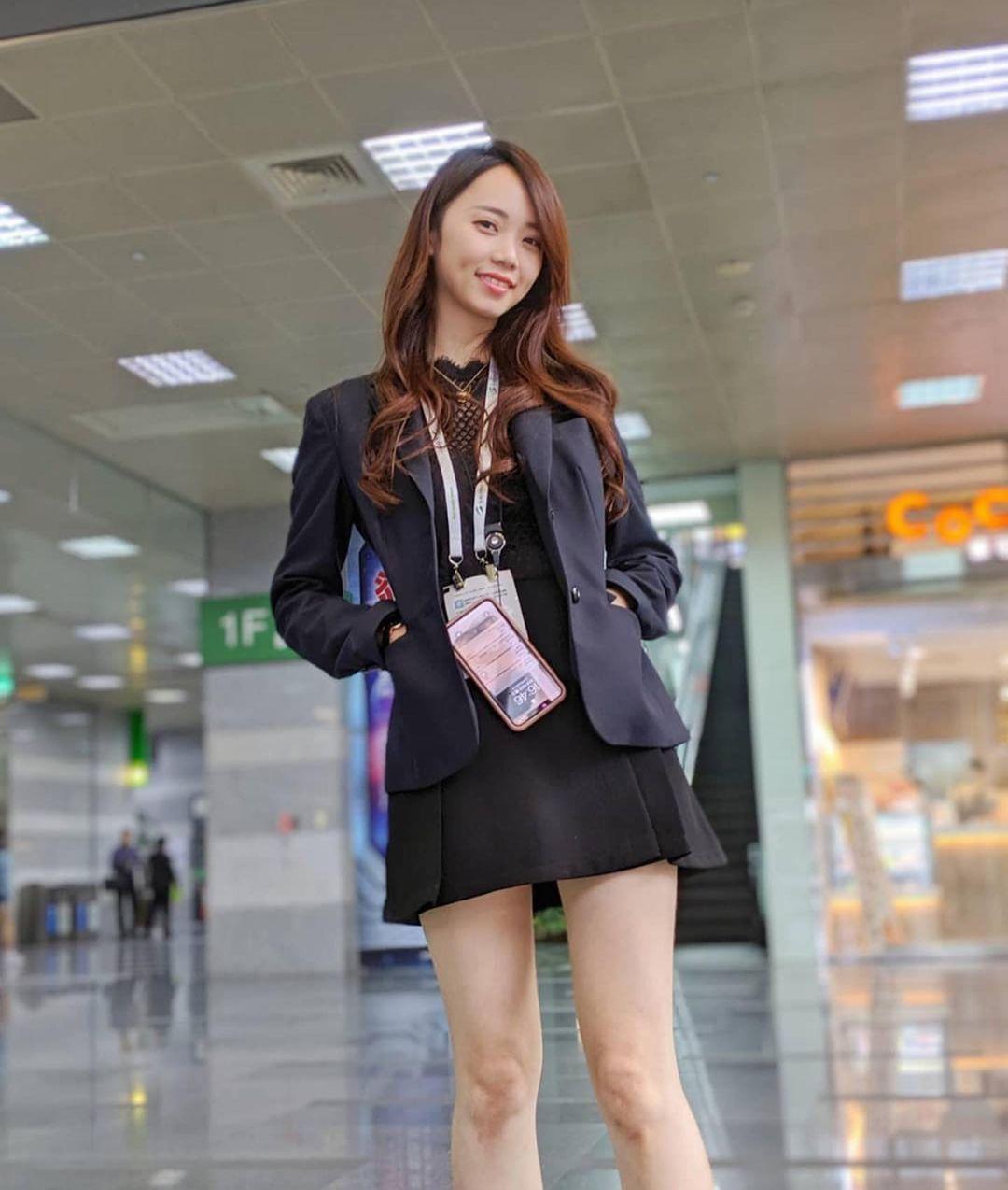 「超火辣OL秘书」黑丝袜美腿有够强大!凶猛的「隐藏版福利」让人太迷恋…-新图包
