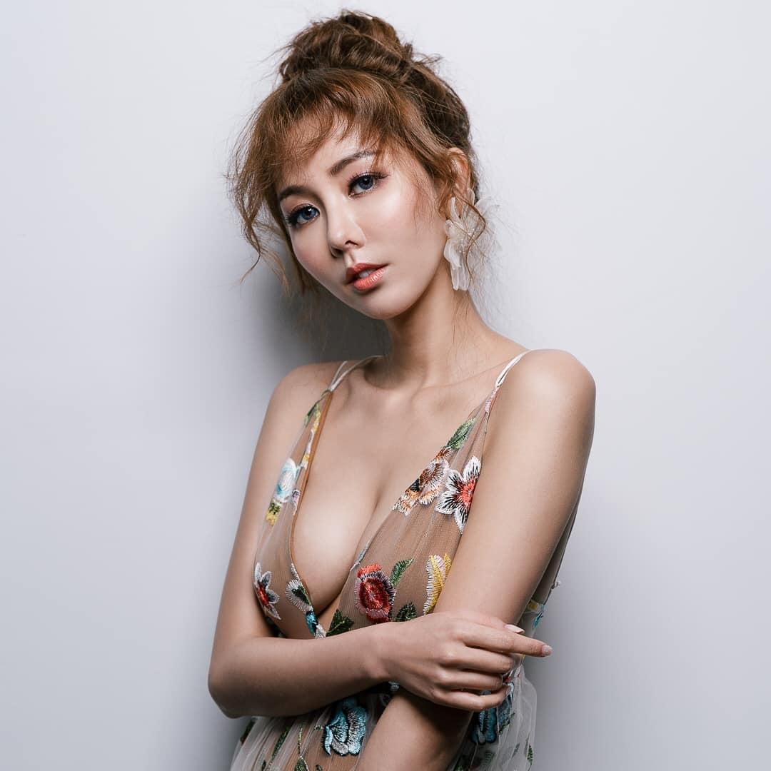 人美心也美的台湾女郎杨杨!网友提问:为何想当网红?回答亮了! 爱看资源网采集发布7N5.NET