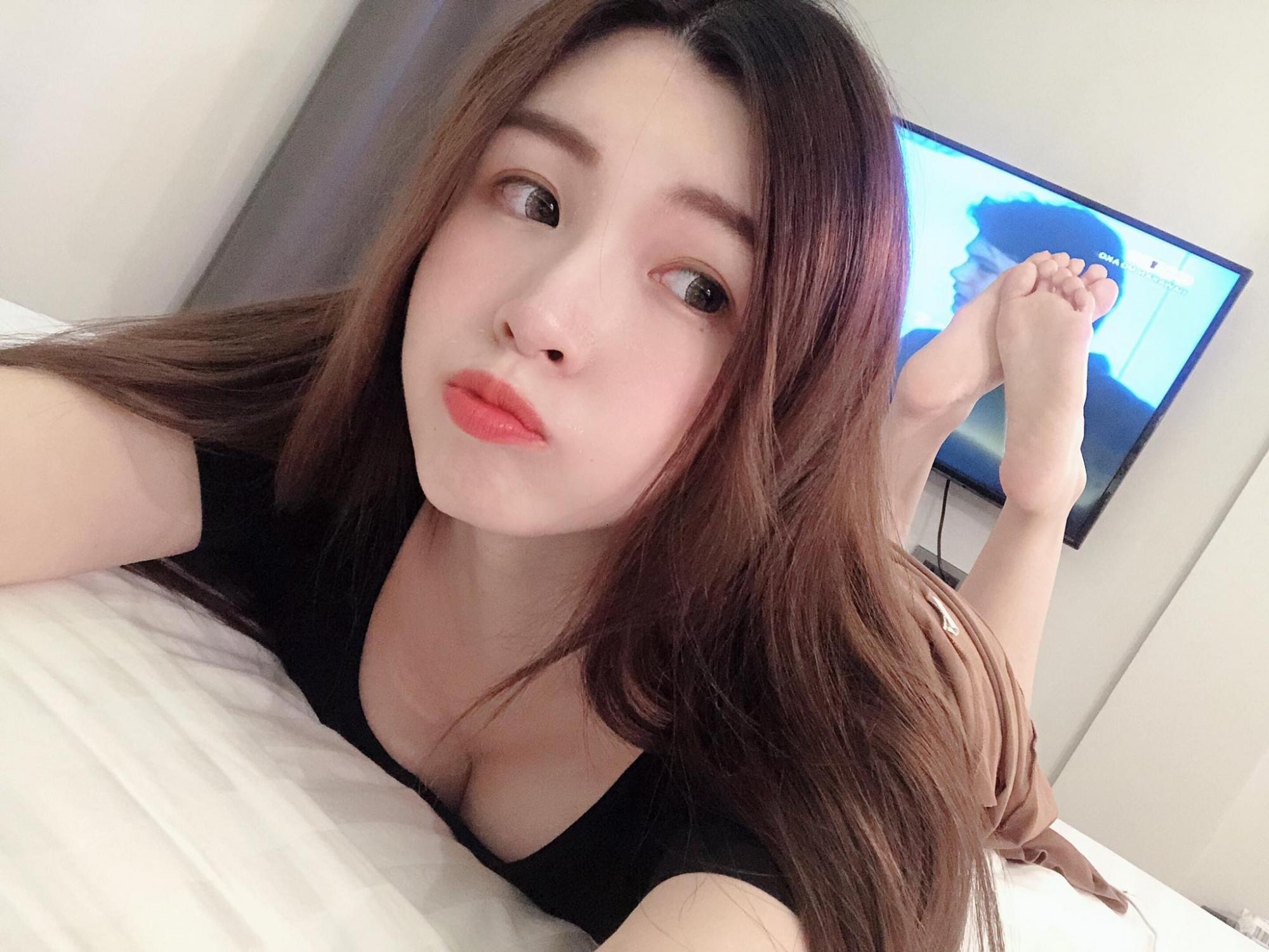 天使脸蛋蔡宥宥怎么穿就是藏不住F级胸器 养眼图片 第5张