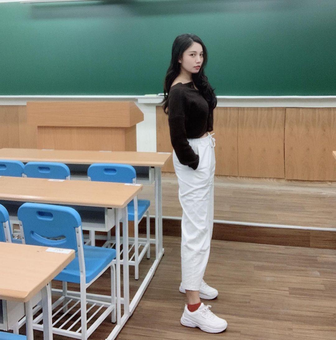 美女英语老师yoki誉熹好身材深藏不露 网络美女 第3张