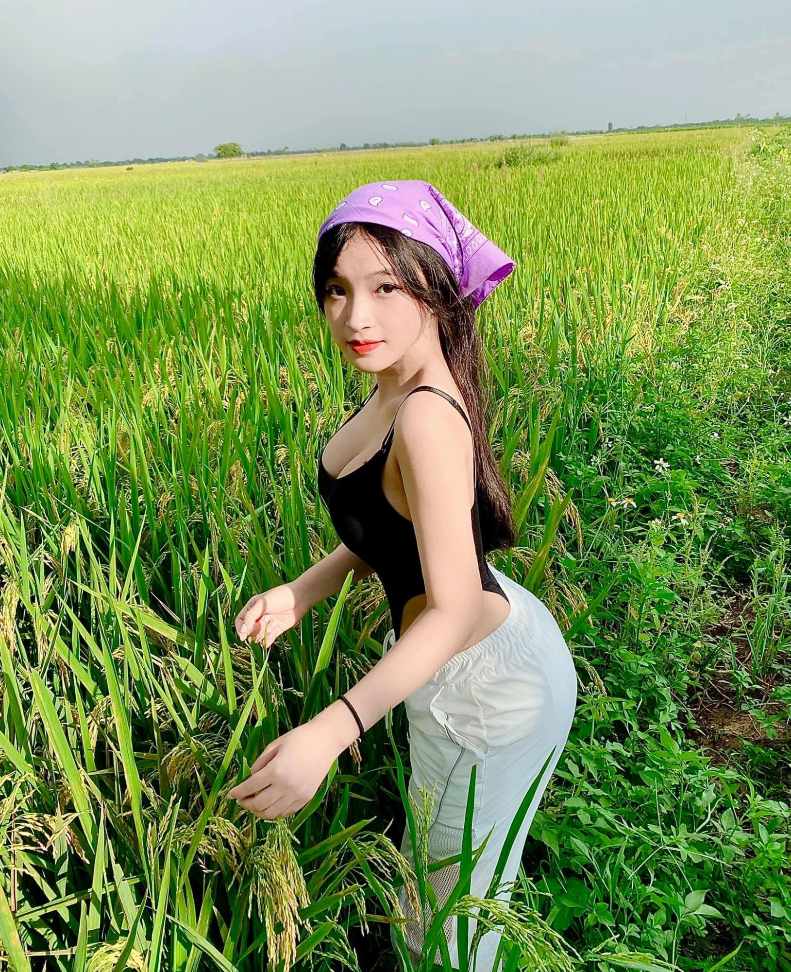 图片[21]-去年穿奥黛爆红!18 岁「越南学生妹」爆近照曝光网惊:风格变好多-福利巴士