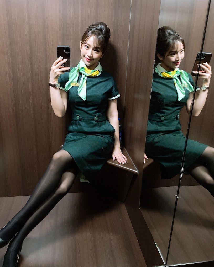 空姐Chloe穿平口洋装性感曲线迷人颜值好撩人 网络美女 第2张