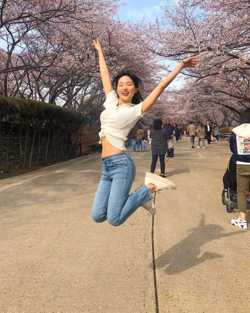 韩国甜姐儿教练「腹部线条太厉害」,「超辣S曲线」IG狂吸40万粉!-新图包