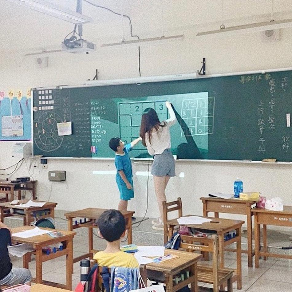 北教大校花女神倩米清新笑颜太甜美 美少女老师 网络美女 第2张