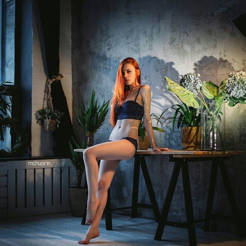 红发美女《Eva Chehova》神造美体搭上中性美颜,简直是艺术的维纳斯. 网络美女 第6张
