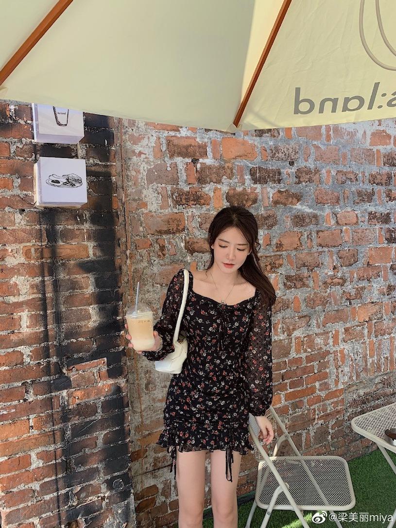 香港甜心美女分享露肩春装,白嫩暗藏实力. 网络美女 第14张