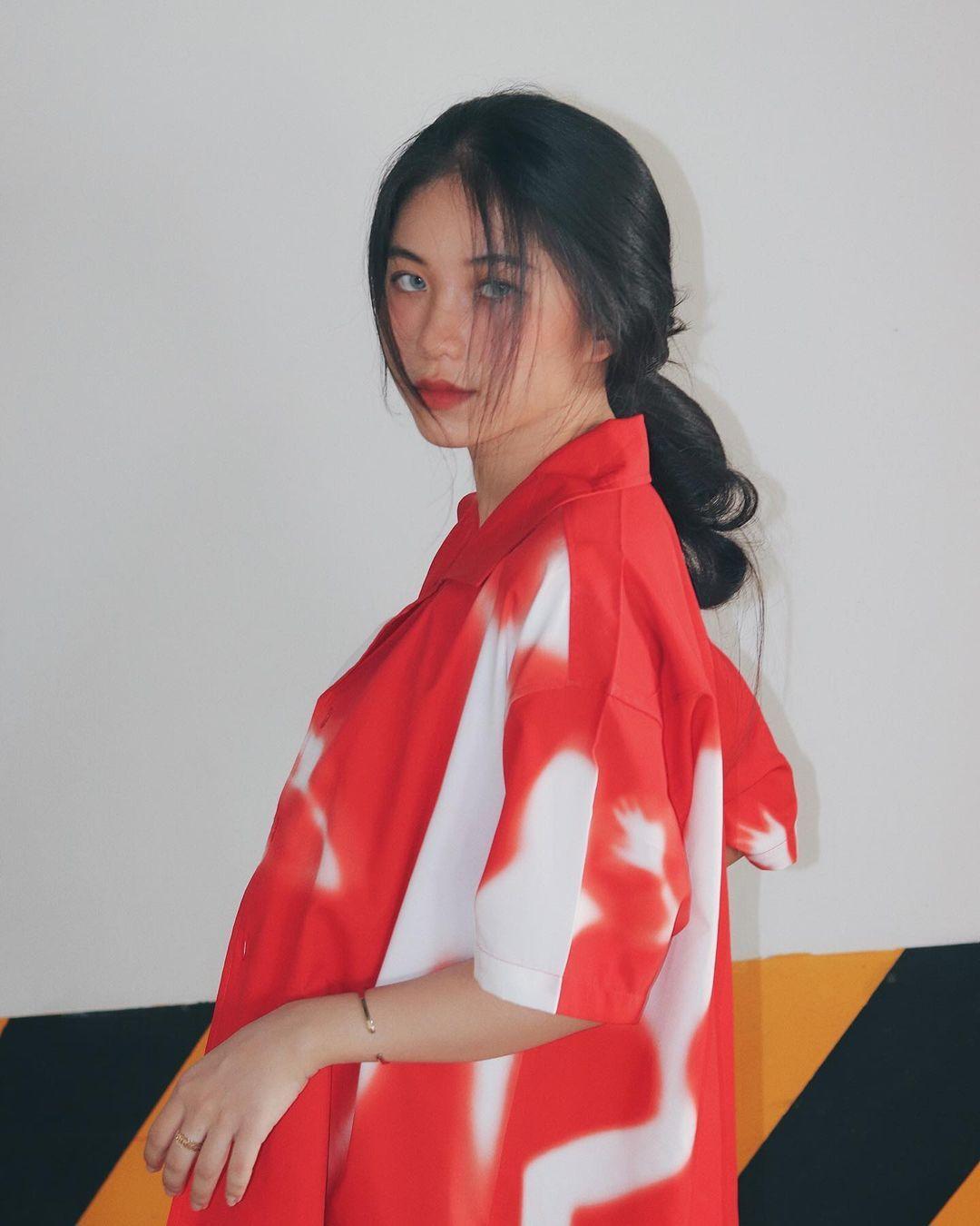 天菜越南妹「Kim Anh」迷蒙眼神仿佛随时在放电空灵气质更是无比疗愈人心 养眼图片 第24张