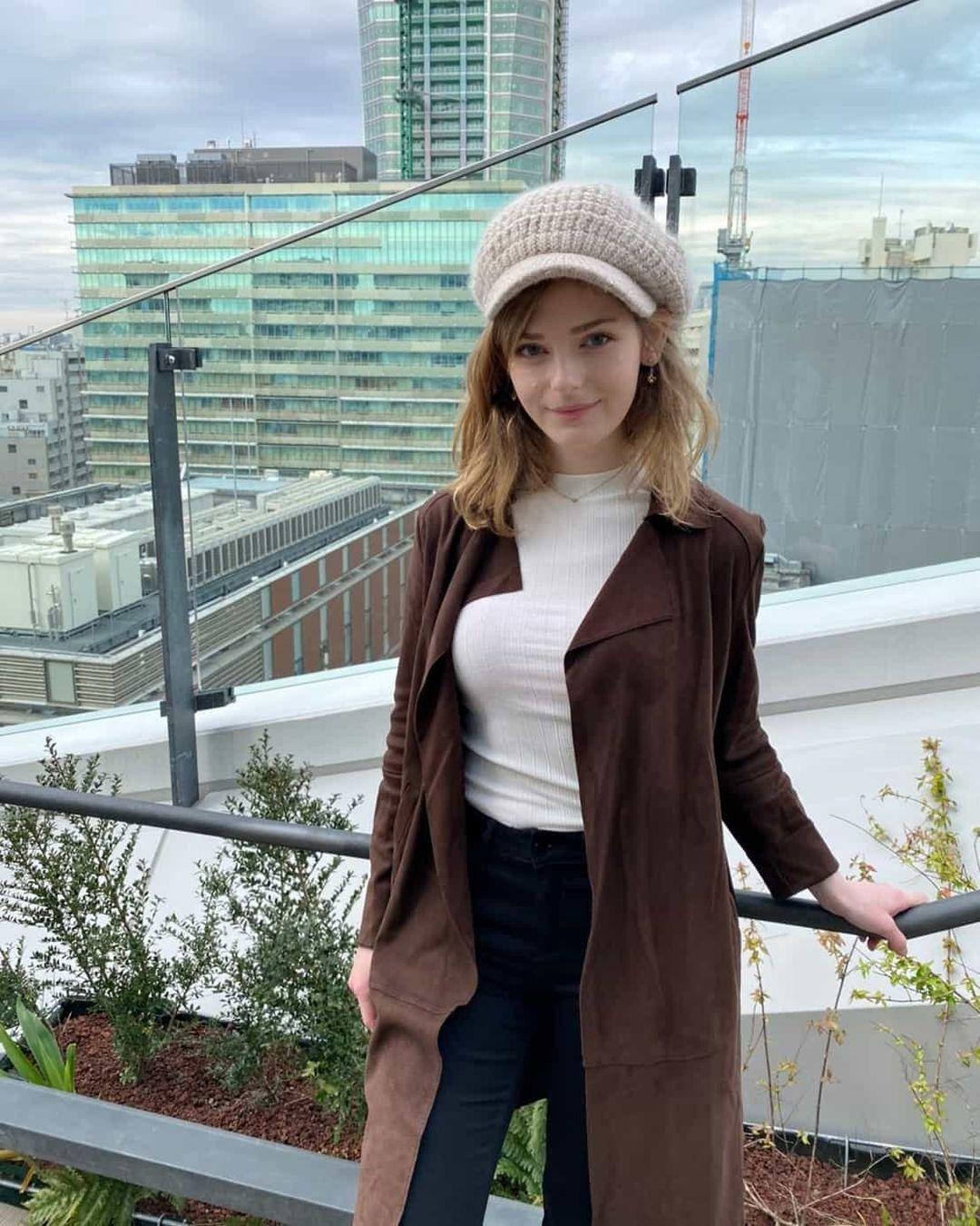 荷兰人气网红《Ella Freya》精灵美颜,空灵仙气日本杂志御用模特儿-新图包