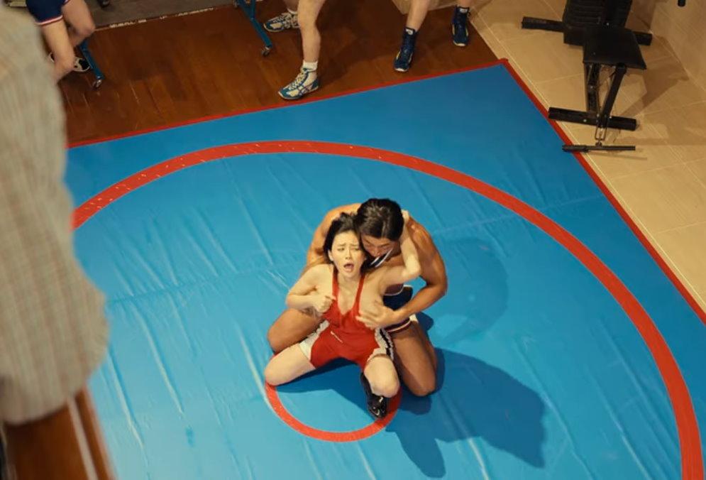 10位出演[AV帝王2]现役女演员摔角手本尊竟然某站知名 网络美女 第6张