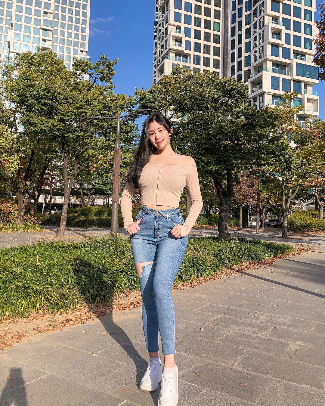 清凉穿着自己卖 [韩国泳衣阙娘Yebin]亲自试穿性感度满点 养眼图片 第26张