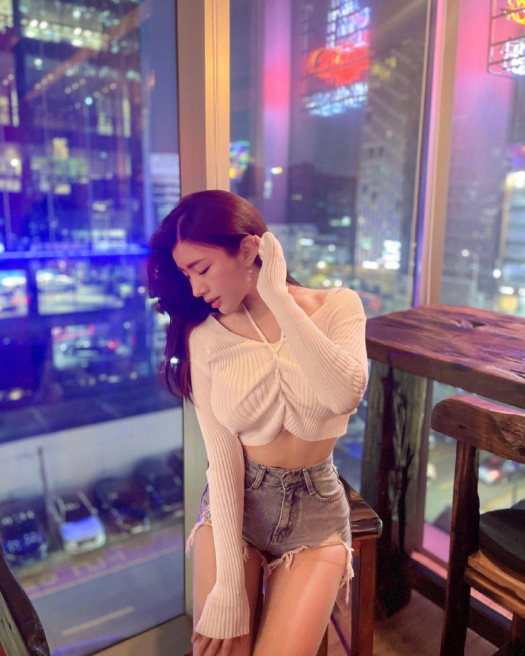清凉穿着自己卖 [韩国泳衣阙娘Yebin]亲自试穿性感度满点 养眼图片 第10张