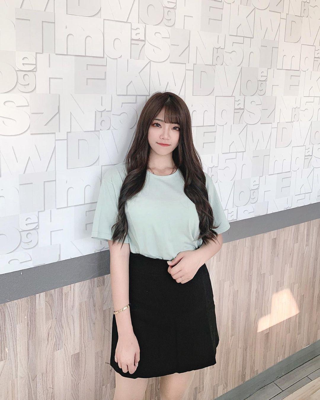 清纯甜美的正妹平面设计师Chen臻儿 多才多艺还有好身材 养眼图片 第8张