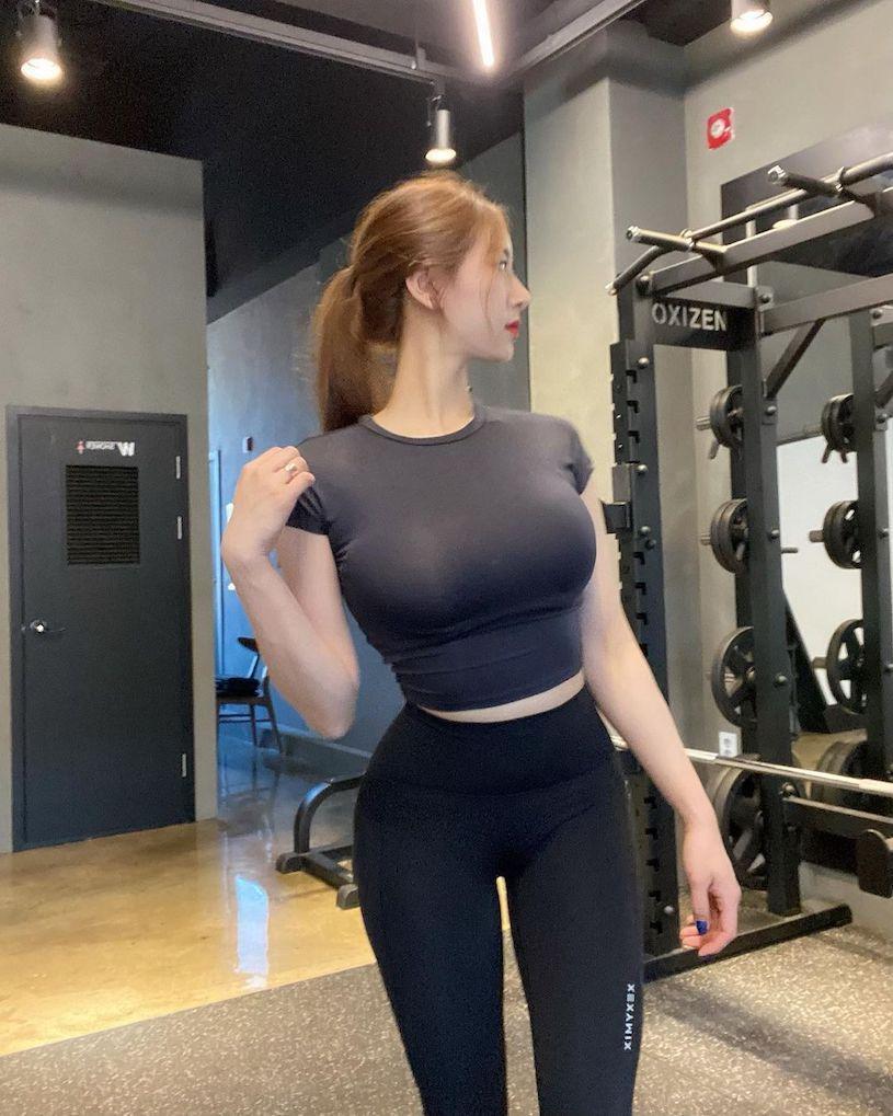 想上课了 性感健身教练指导时好辣,惹火曲线让人超专心 网络美女 第9张