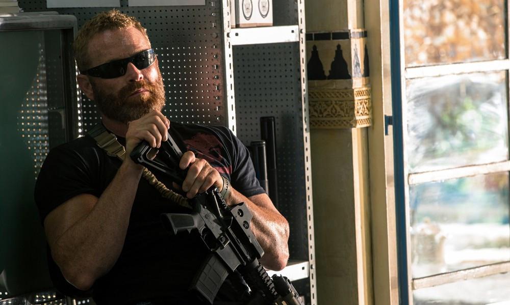 《危机十三小时》一部不输黑鹰坠落的战争片