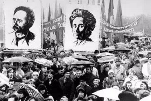 涨姿势《论俄国革命》的图片