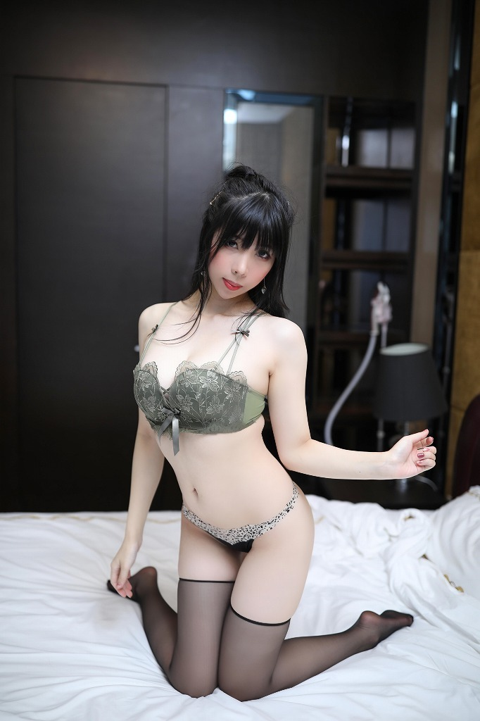 1 (52)