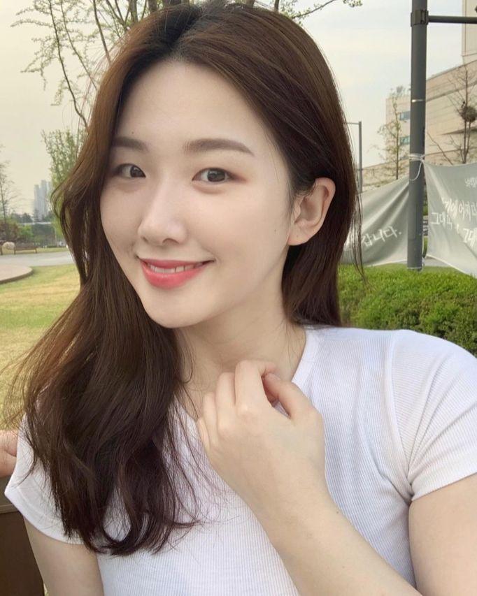 Nayoon(또먹나윤)个人资料介绍