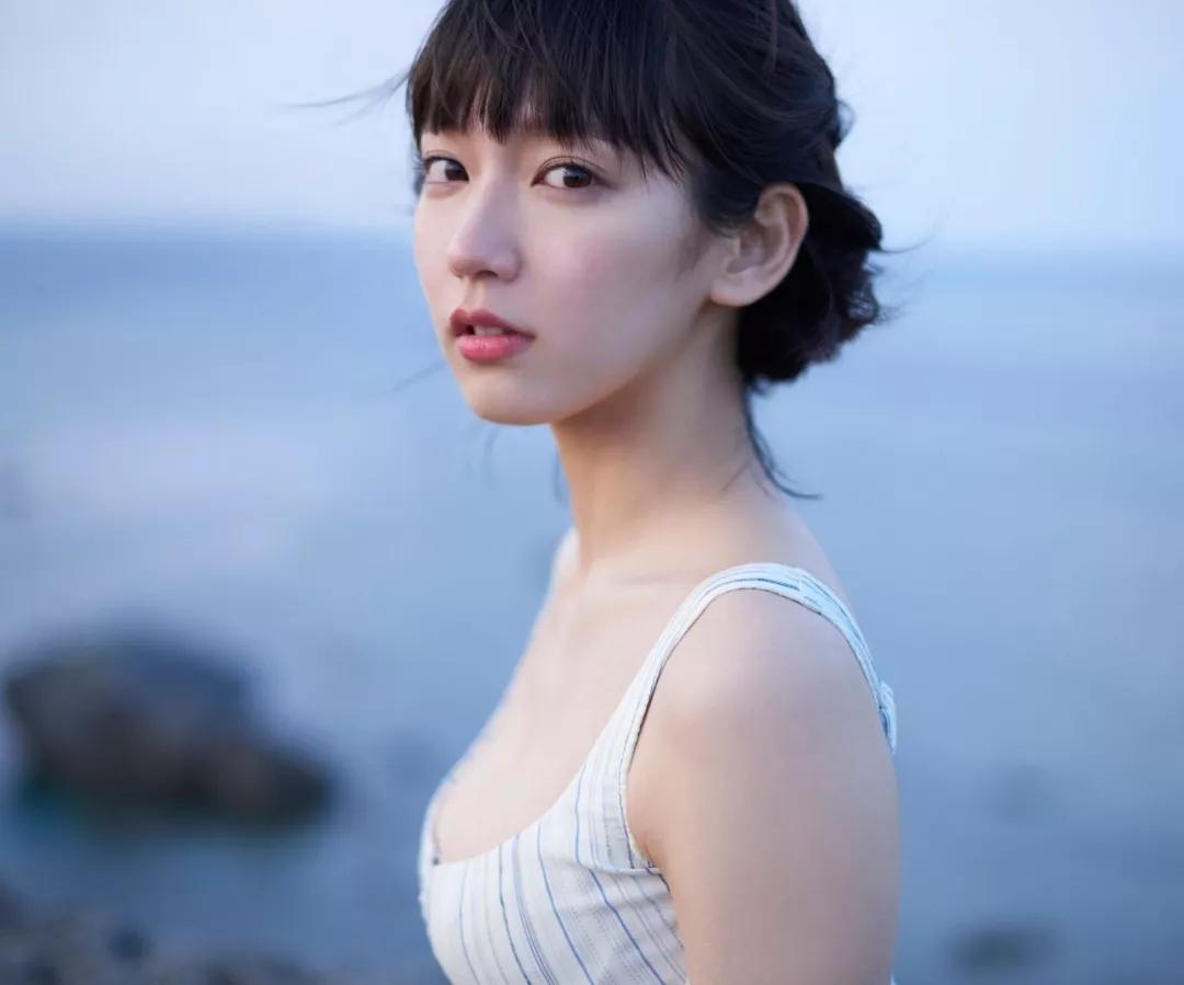吉冈里帆 写真集Riho (42)