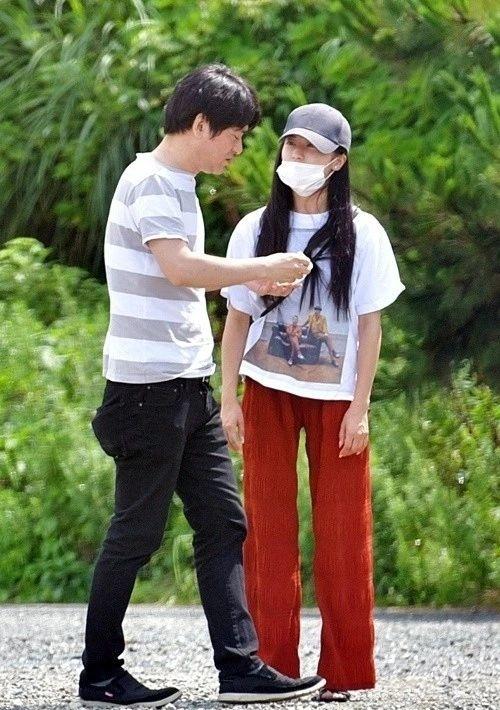 小岛瑠璃子和原泰久的恋情期初就有小三上位的嫌疑,这下可好现在分手了 (3)