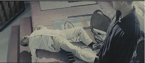 电影《复仇者之死》从现实轮回在谎言庇护下暴露来看美国的落败命运 (8)