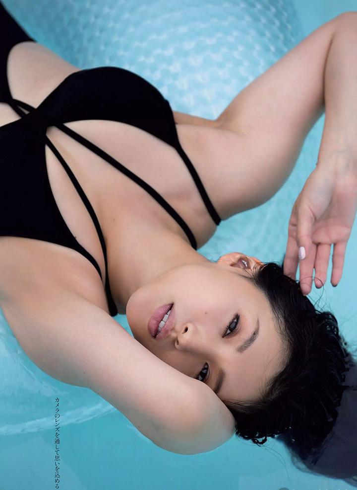 日本女星芦名星去世前拍摄优美身段写真作品作为最后悼念 (4)
