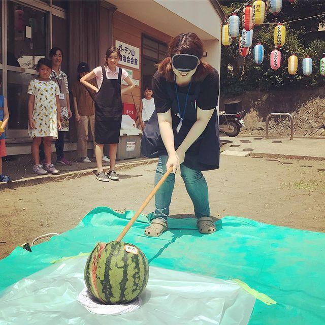 带你领略日本现实举办的只有在日剧或者动漫中才看到的大西瓜比赛 (4)