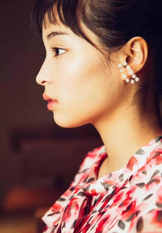 20神颜美少女却黑历史比较多的广濑丝丝写真作品 (52)