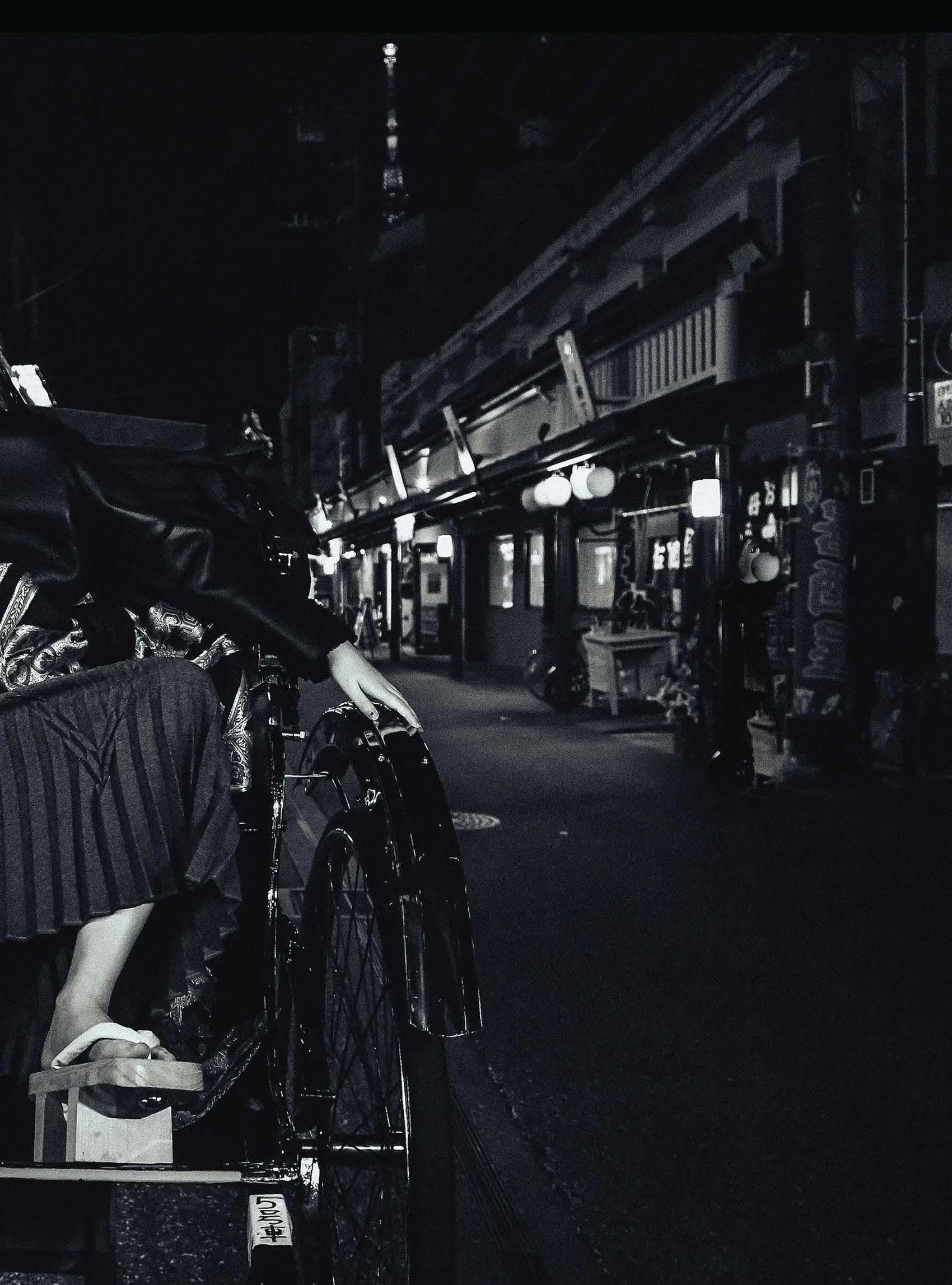 满脸雀斑却依旧很美的混血模特世理奈写真作品 (8)