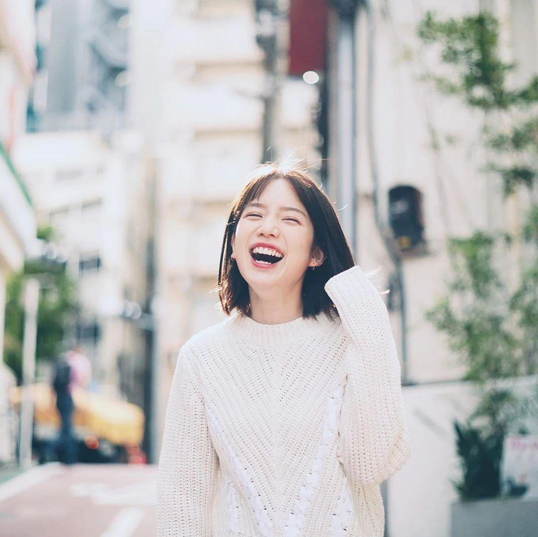 永远一张娃娃脸的棉花糖女孩弘中绫香写真作品 (8)
