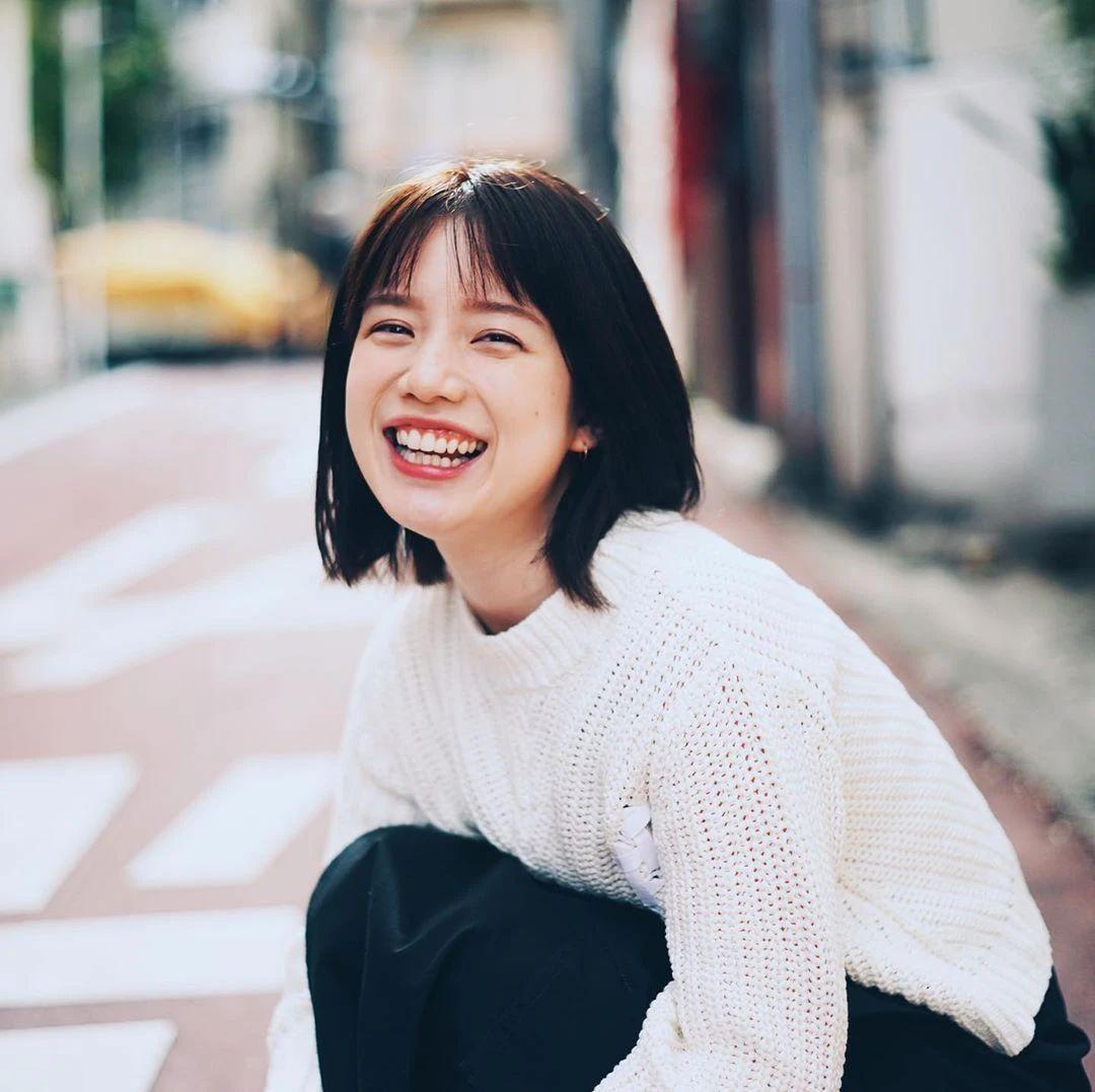 永远一张娃娃脸的棉花糖女孩弘中绫香写真作品 (9)