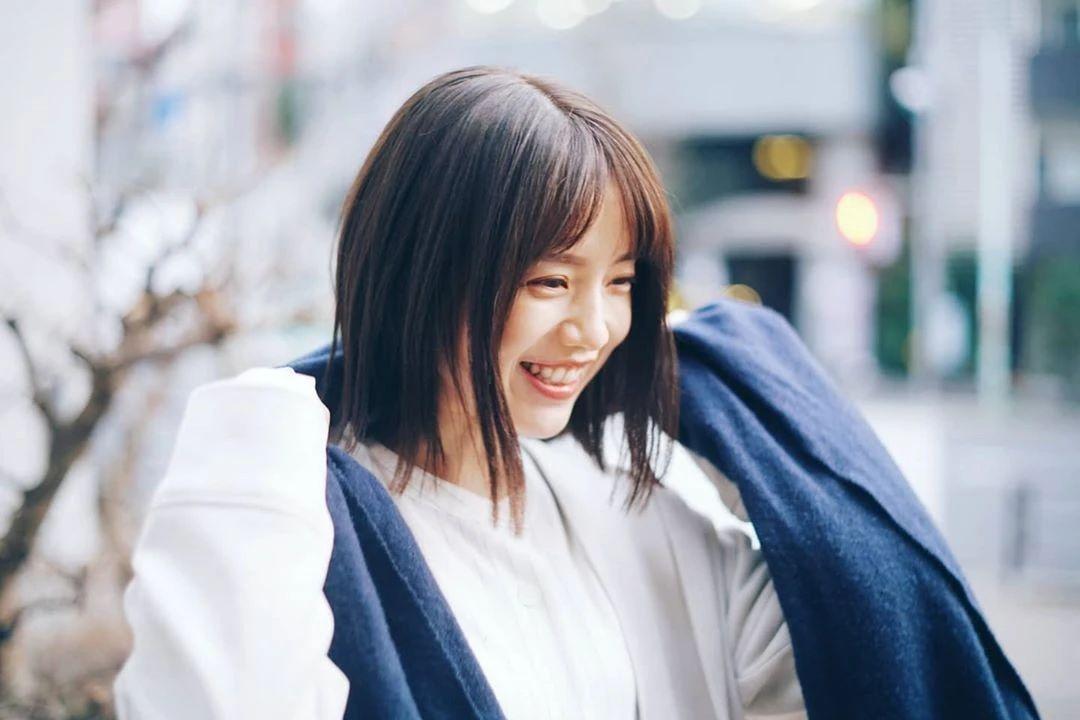永远一张娃娃脸的棉花糖女孩弘中绫香写真作品 (14)