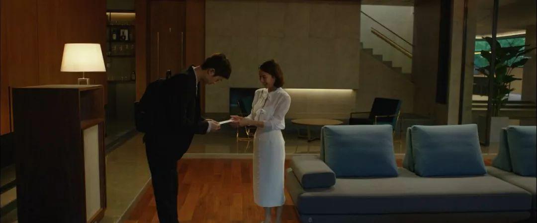 韩国电影《寄生虫》谎言说多了便会迷失自己,且会因此而失去原本就岌岌可危的尊严 (8)