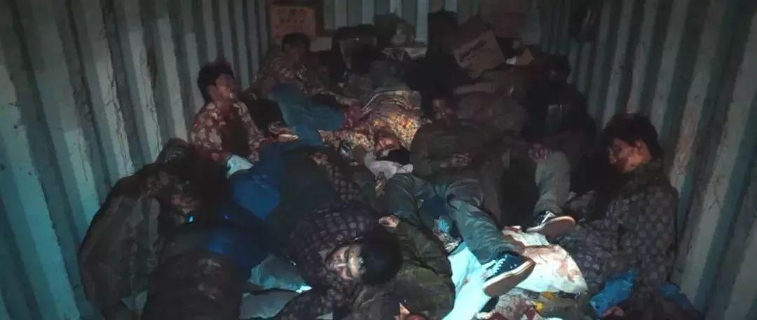 灾难恐怖电影《流感》在生死面前人性都是私自的 (7)