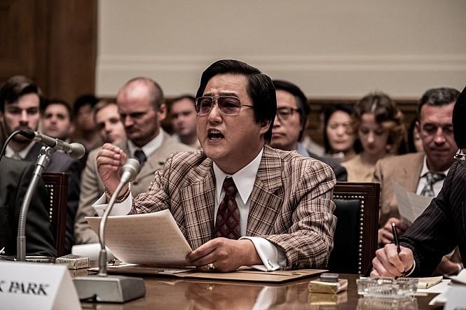 韩国政治悬疑电影《南山的部长们》揭露出的政治丑闻和黑暗的历史 (4)