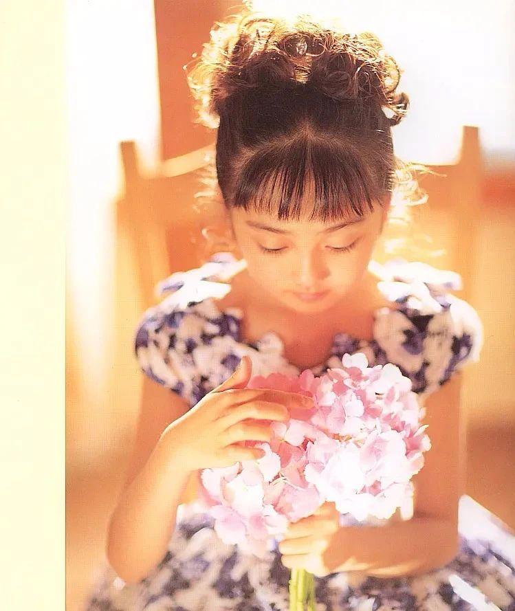 奇迹童颜女演员安达佑实写真作品 (34)