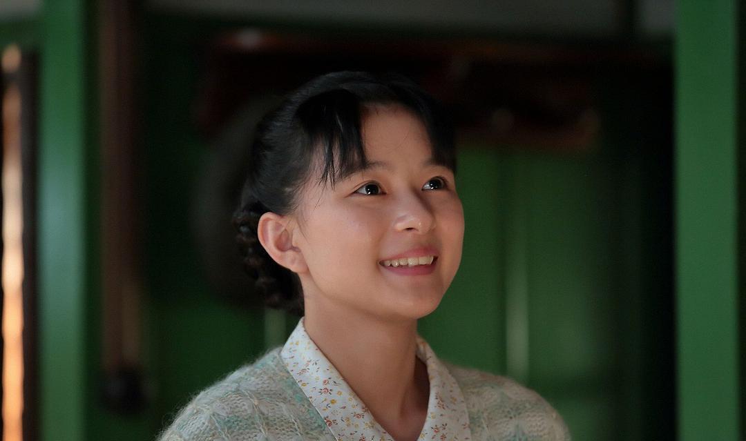 不是很能凸显个性的昭和颜的实力派美女芳根京子 (10)