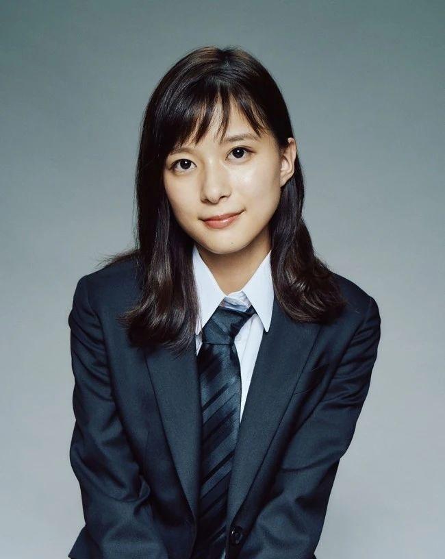 不是很能凸显个性的昭和颜的实力派美女芳根京子 (3)
